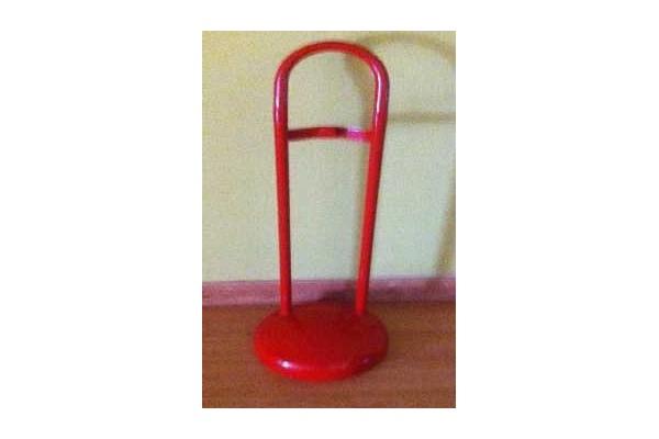 soporte-extintor-rojo